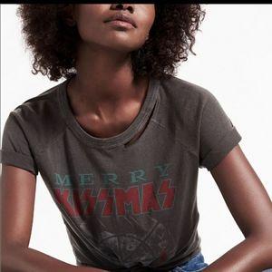 NWT Lucky Brand Merry Kissmas T Shirt Medium